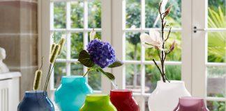 Als ideales Gastgeschenk für eine Housewarming-Party könnte eine dieser aparten Glasvasen dienen. Foto: Villeroy & Boch