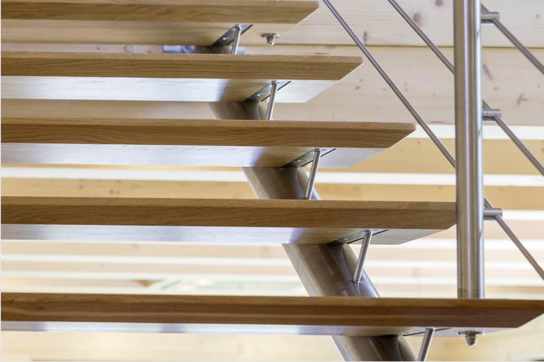 Jedes Detail verweist auf gelebte Handwerkskunst des Hausbauunternehmens.