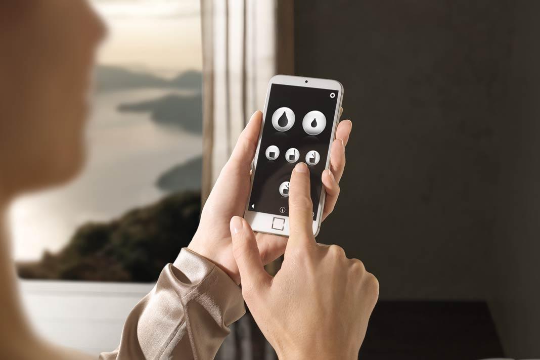 Für alle Technikbegeisterten bietet GROHE als besonderes Gadget die praktische GROHE Spalet App.