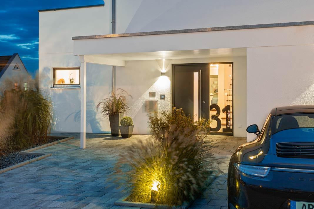 Vom Auto bis zum Haus – durch und durch designorientiert zeigte sich die Bauherrschaft Groh.