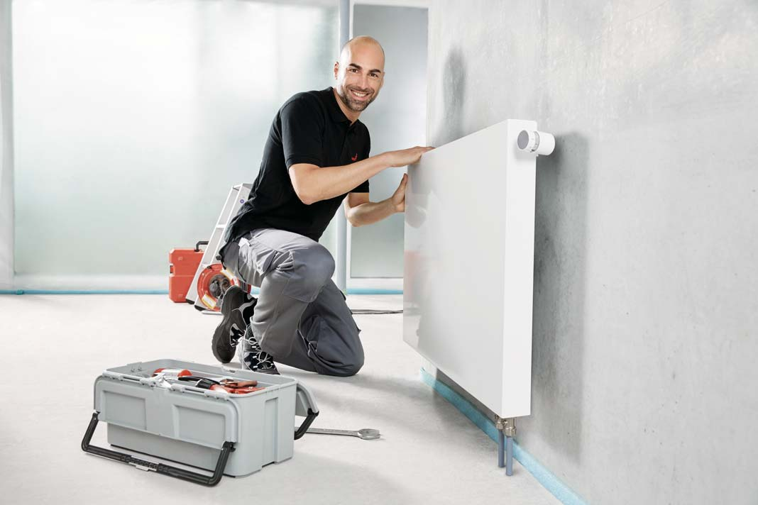Positionierbarer 360°-Anschlüsse und verstellbarer Wandkonsole in jeder Bausituaiton.