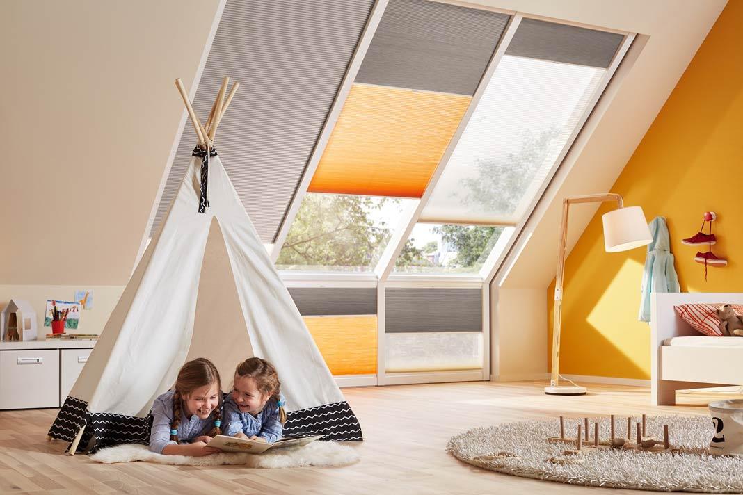 Mit den Wabenplissees lassen sich die Räume noch wohnlicher gestalten.