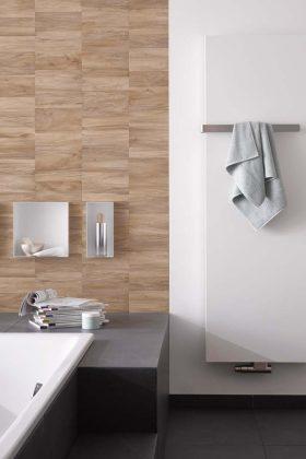 Höchst effizient und besonders dekorativ wärmt der Designheizkörper das Bad.