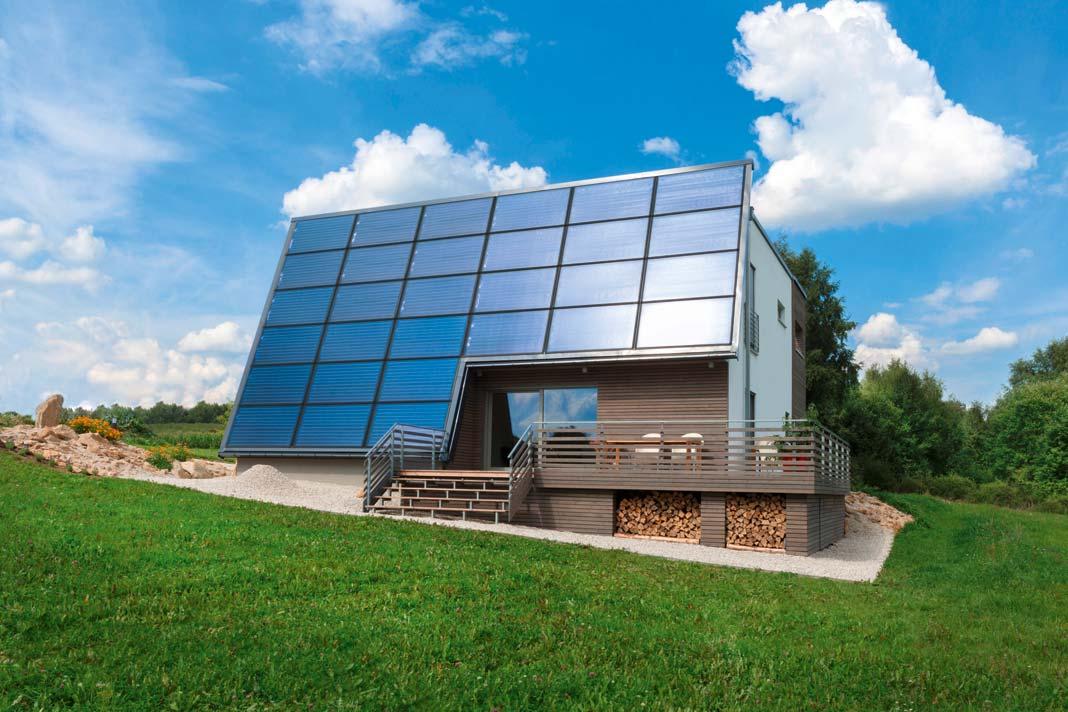 90 bis100 Prozent der Heizenergie bezögen seine Häuser direkt von der Sonne.