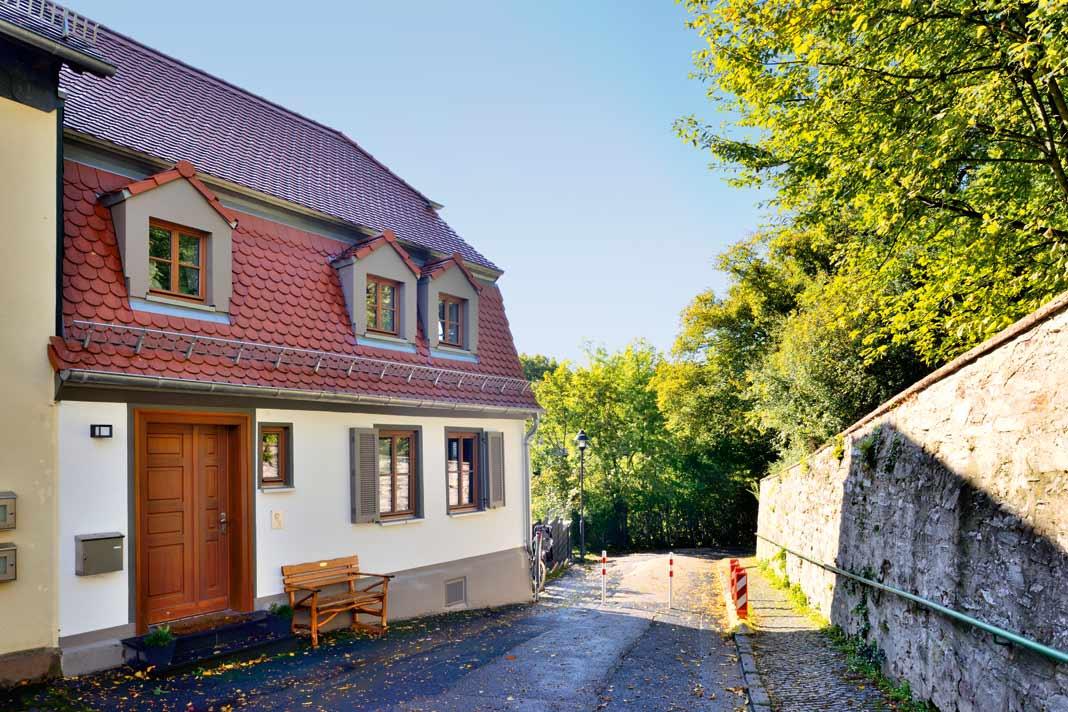 Touristen auf dem Weg in die Altstadt bekommen hier einen guten ersten Eindruck von Bad Homburg.