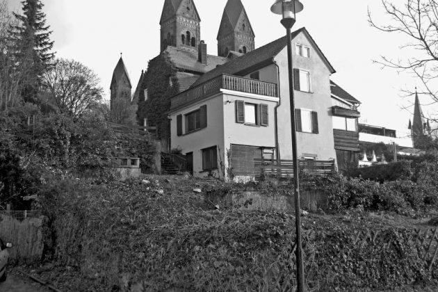 Das Gebäude im Vordergrund, 1840 ans barockzeitliche Haus angebaut.