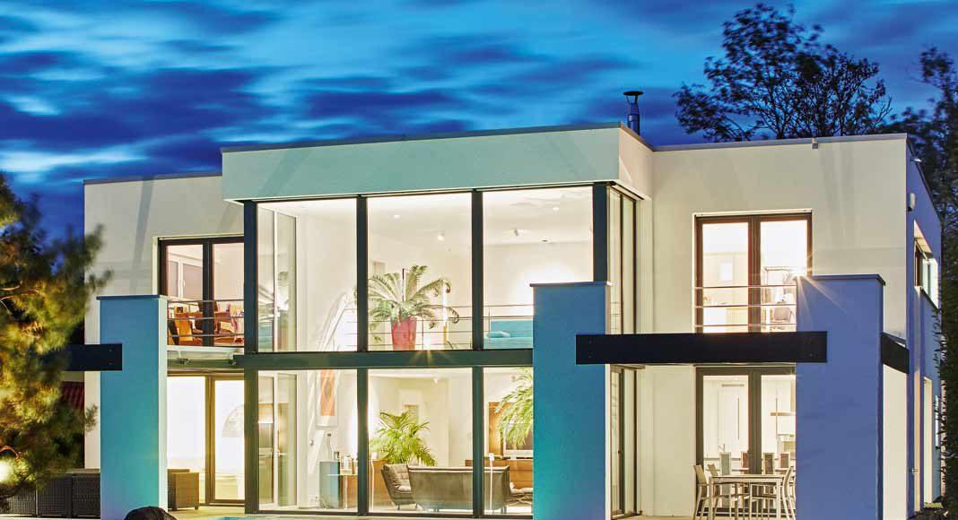 Geschickte Verteilung der LEDs im und ums Haus.