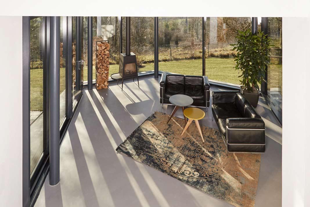 Wärmeschutzverglasung und winddichte Pfosten-Riegel-Konstruktion.