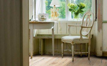 Die Gestaltung des Fußbodens prägt den ganzen Raum. Sie haben die Wahl zwischen Designböden als naturgetreues Holzimitat, Laminat und massivem Parkett.