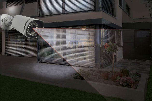 Horizontal und vertikal schwenkbare HD-Kamera mit Infrarot-LEDs.