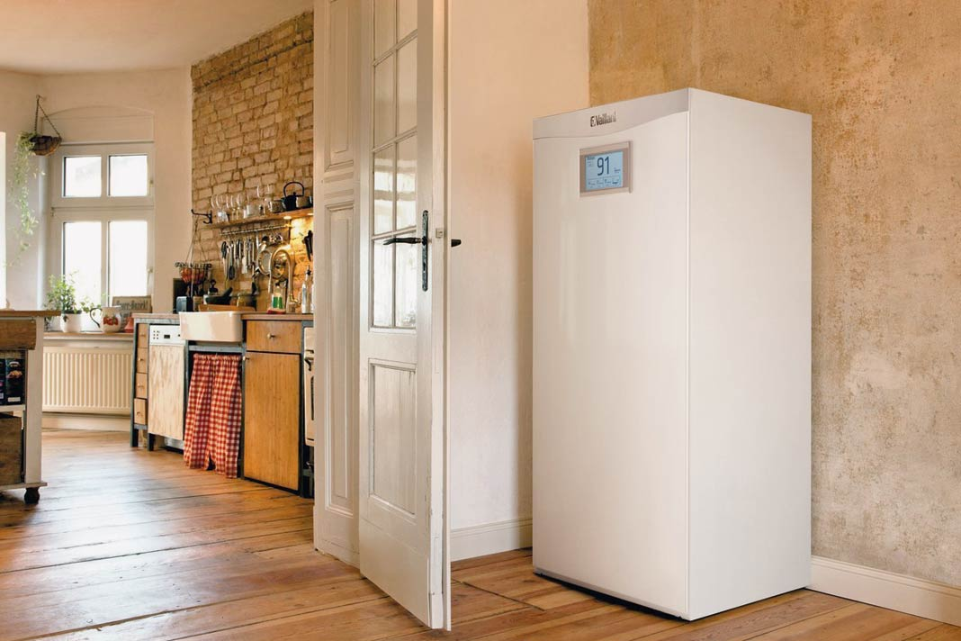"""Der Batteriespeicher """"elopack"""" lässt sich flexibel in jedes System von Stromund elektrisch betriebenen Wärmeerzeugern einbinden."""