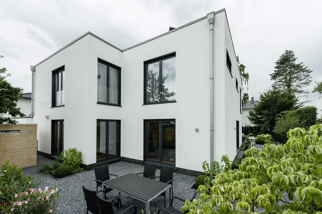 Kennzeichnend für den Bauhausstil ist die Farbe Weiß.