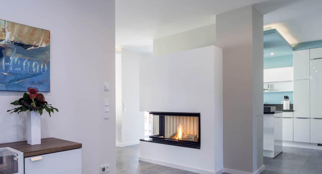 Das Kaminfeuer im Wohnbereich.