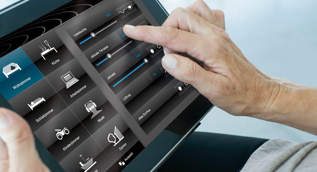 Steuerung der Raumfunktionen ist mobil über Smartphone, Tablet.