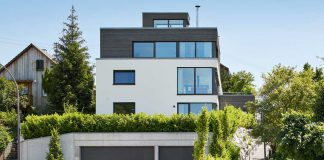 Haus mit Flachdach.