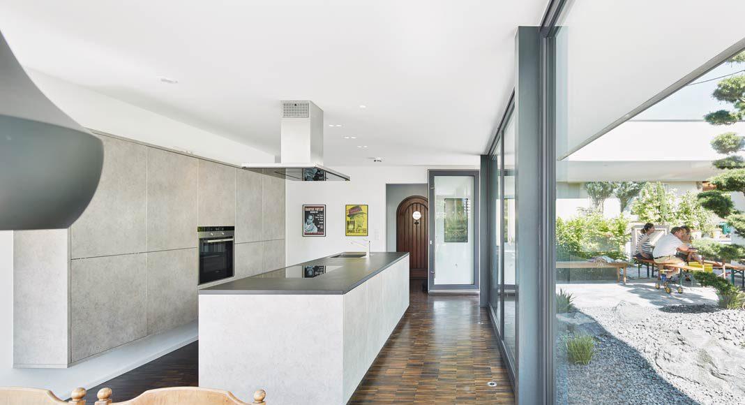 Auch die Küche hat der Architekt entworfen.