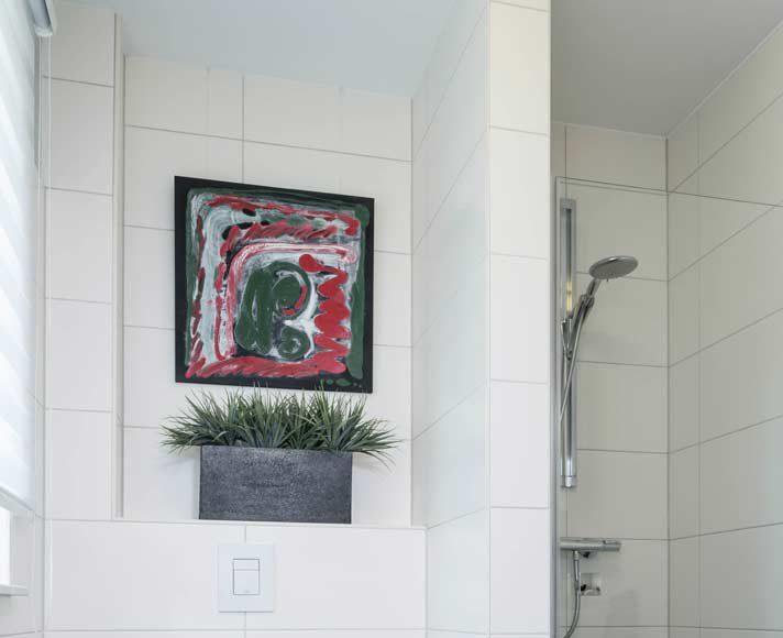 Bodentiefe Dusche im Gäste-Bad kann später auch zum Hauptbad werden.