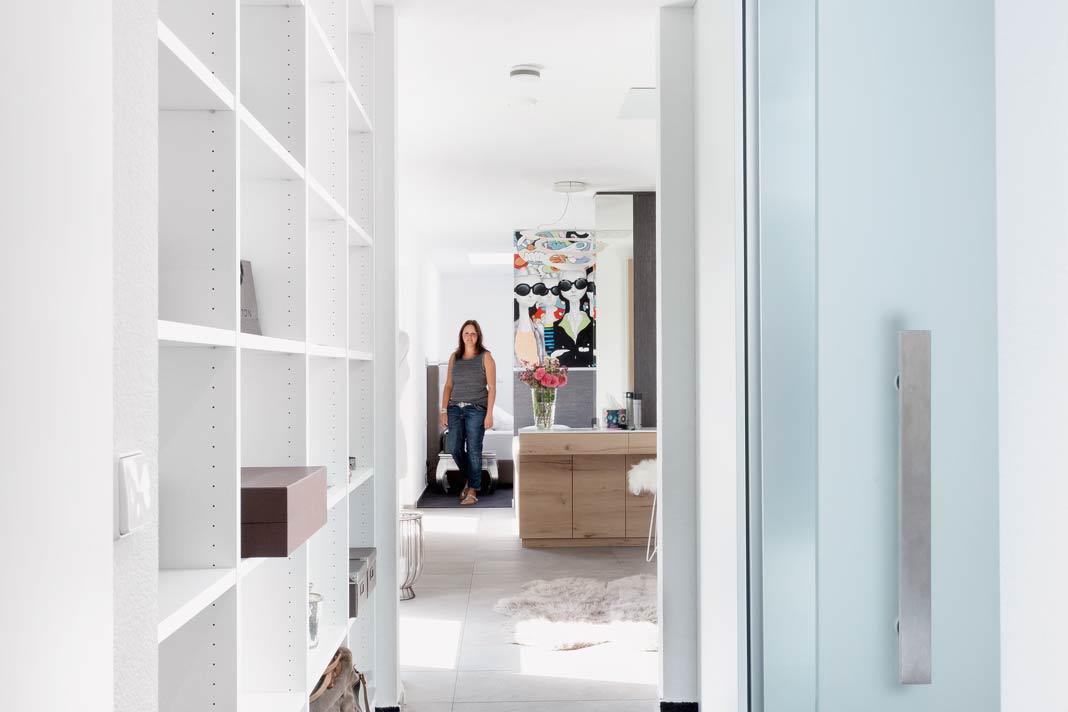 Viel Stauraum und freundliche, helle Räume für die Eltern.
