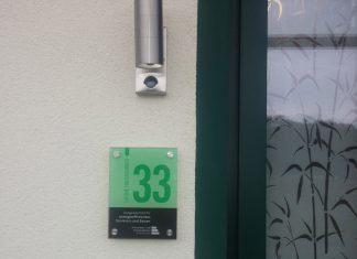 Die Grüne Hausnummer honoriert Bauherren, die energieeffizient gebaut oder saniert haben. Foto: Schwabenhaus