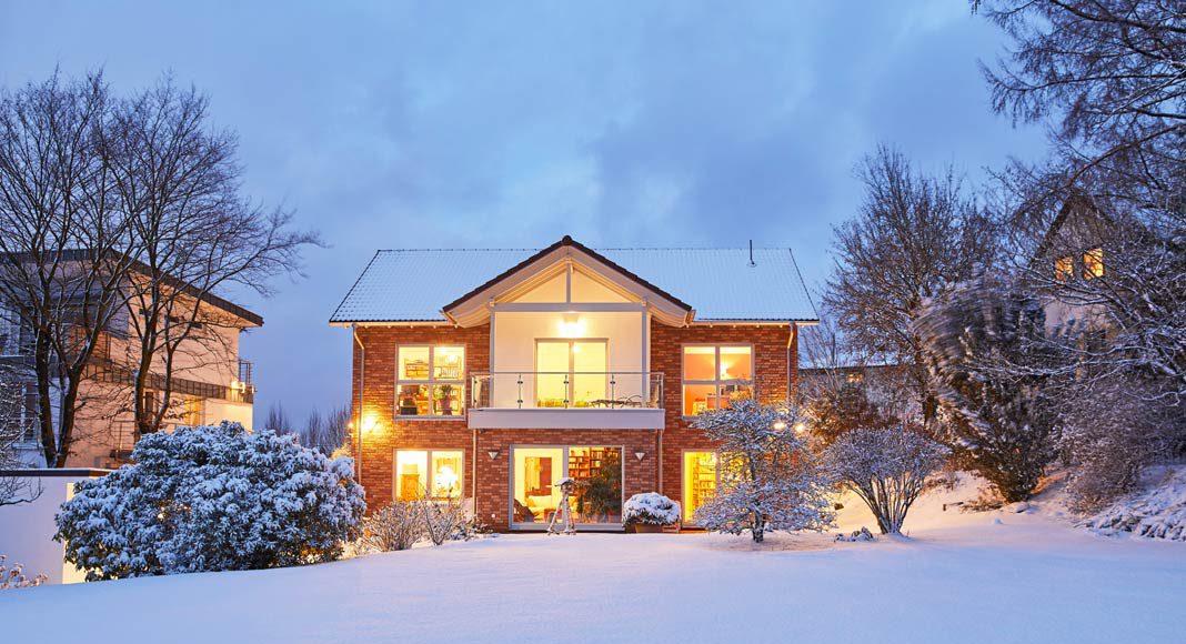 Um die Energiekosten dauerhaft im Griff zu behalten, benötigt ein Haus eine hervorragende Dämmung sowie eine moderne Heiztechnik