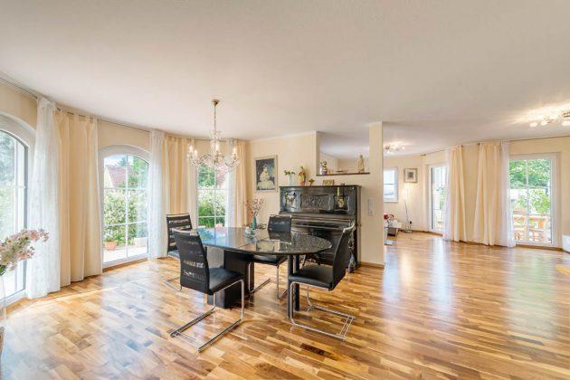 Großzügige Platzverhältnisse schaffen fast luxuriösen Wohnkomfort in den Räumen.