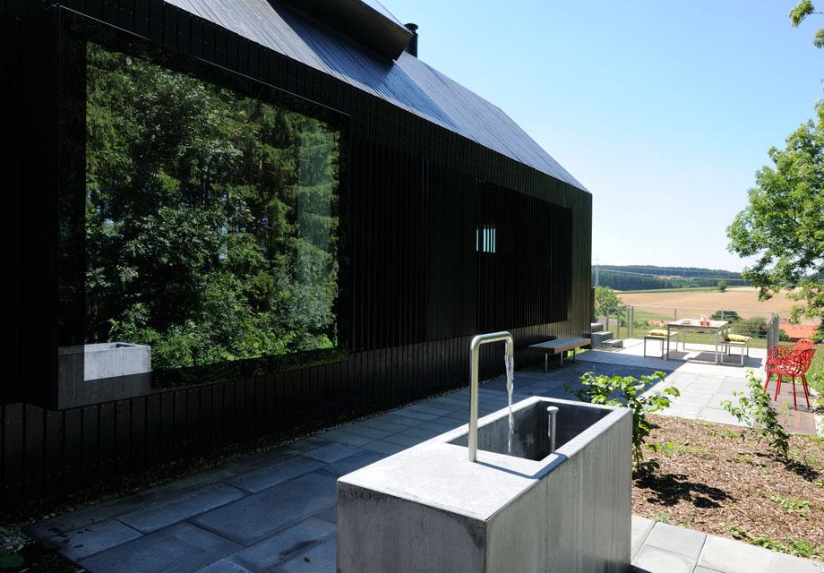 Ein schöner Außenbereich lockt ins Freie. Foto: Günter Standl