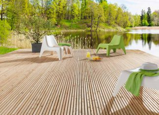 Wer seine Terrasse selber bauen möchte, findet mit diesen Modulen ein einfaches System. Foto: Mocopinus