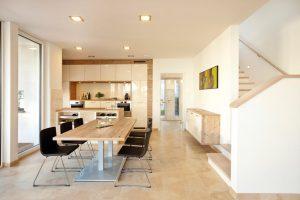 Die Hauswand erlaubt nun auch raumhohe Fenster für noch mehr Licht und Ausblick. Foto: Kampa