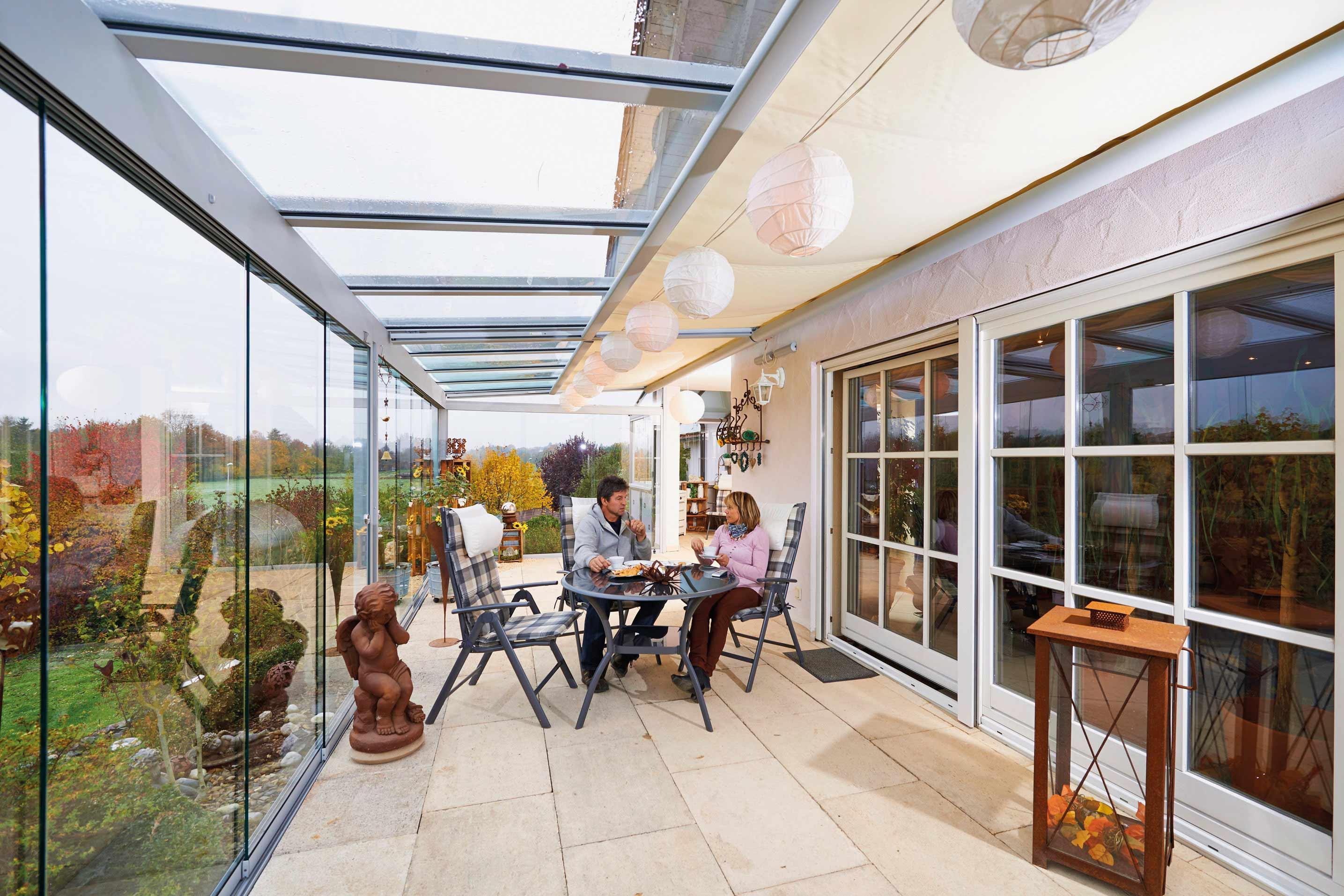 langer sommer dank dem wetterschutz f r die terrasse. Black Bedroom Furniture Sets. Home Design Ideas