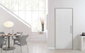 Die neue Zimmertür zeichnet sich durch eine besondere Prägung des Türblatts aus. Foto: Jeld-Wen