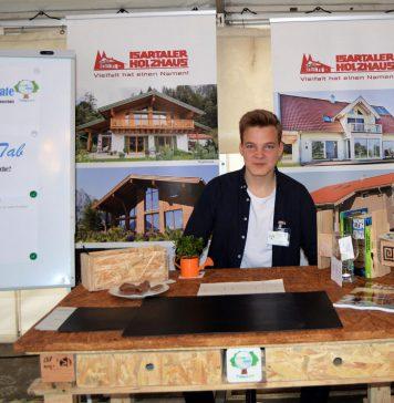 Recyclingmöbel als engagierter Klimaschutz. Foto: Greenius Climate/Isartaler Holzhaus