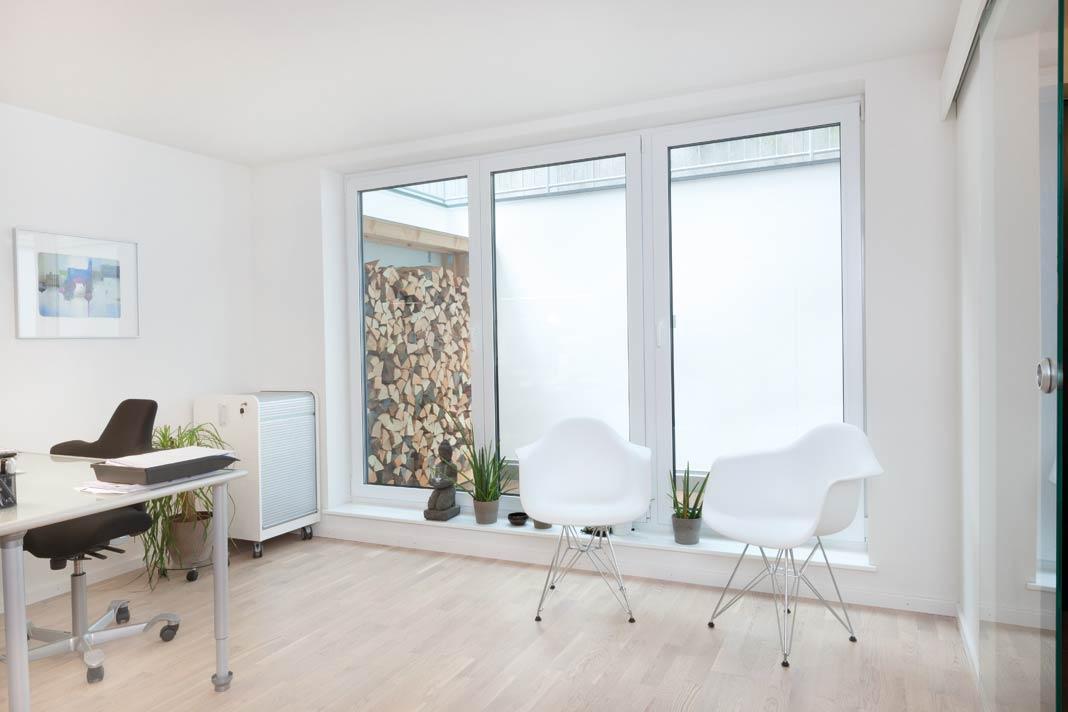 eine einzigartige doppelhaush lfte mit versetztem pultdach livvi de. Black Bedroom Furniture Sets. Home Design Ideas