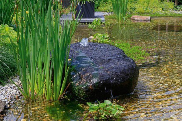 Wassersteine, Naturbecken oder Bachläufe als Abrundung