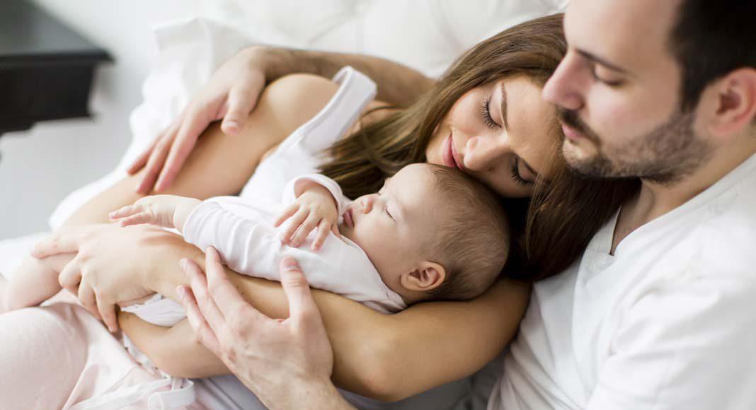 Die (anstehende) Geburt eines Kindes ist der Anstoß, um über den Bau eines eigenen Hauses nachzudenken.
