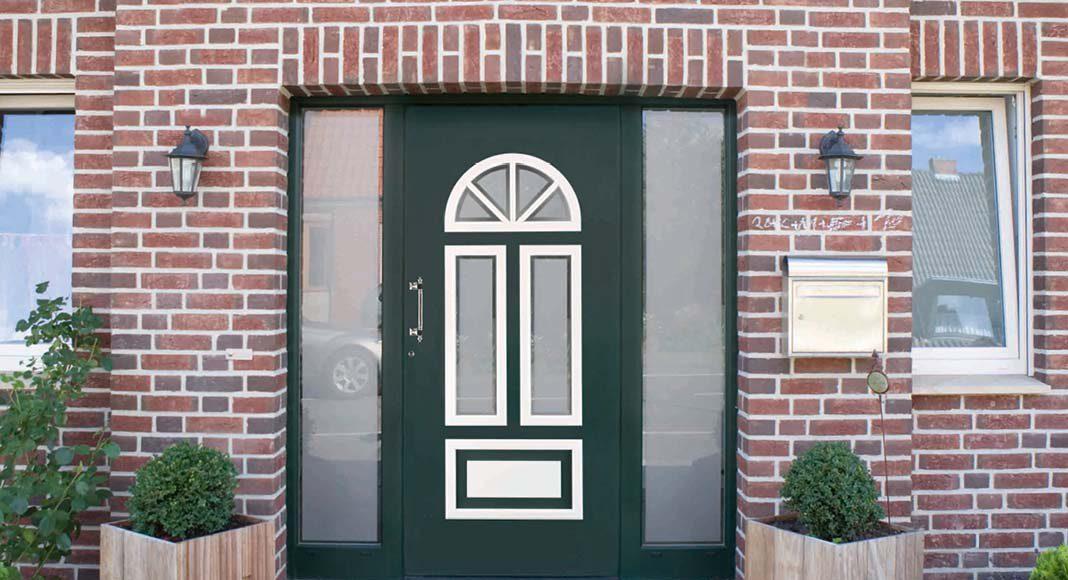 Haustüren von heroal können Sie jeder Gebäudeoptik anpassen.