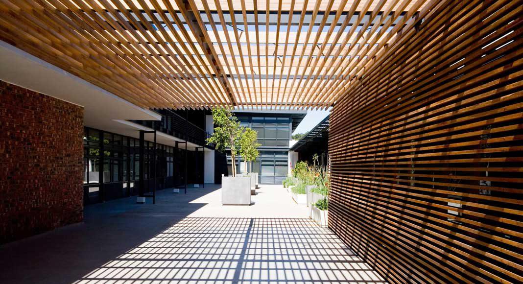 Moderne Varianten zieren Gebäudekomplexe.