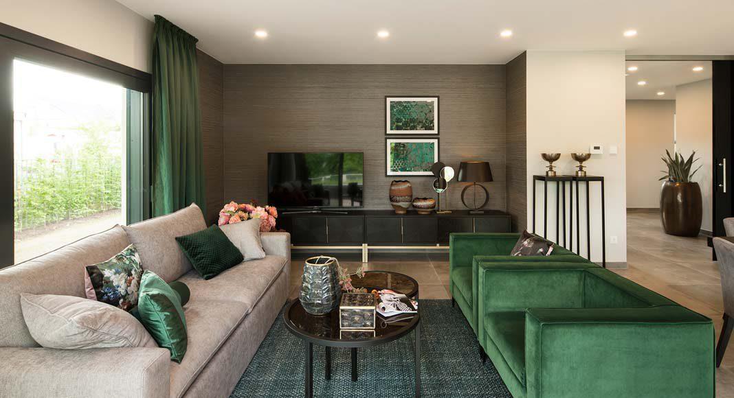 Warme Farben sorgen für eine gemütliche Atmosphäre im Wohnbereich.