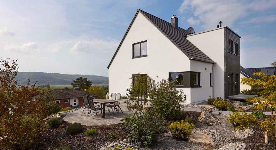 Hanghaus mit Terrasse