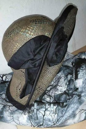 Hüte ganz individuell angefertigt.