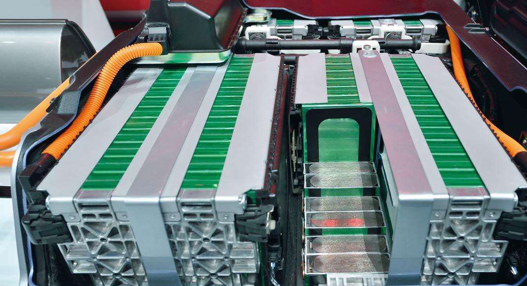 Moderne Solarspeicher setzen auf dieselbe Technologie wie Elektro-Autos.