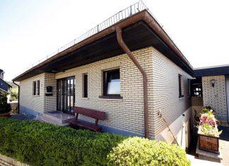 Das Zweifamilienhaus mit einer Ecodan Luft/Wasser-Wärmepumpe.