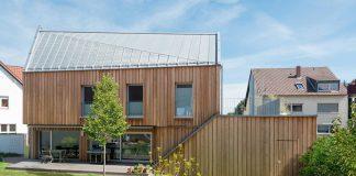 Haus mit Holzfassade