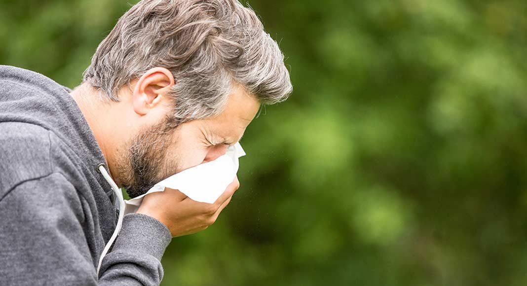 Verstopfte Nase als Folge einer Allergie.