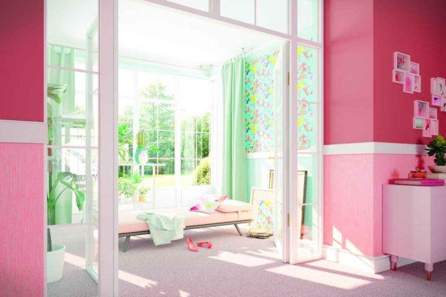 Sollen Tageslicht und Sonnenstrahlen ungehindert die Räume erobern dürfen, ist der Einbau einer Glastür empfehlenswert.