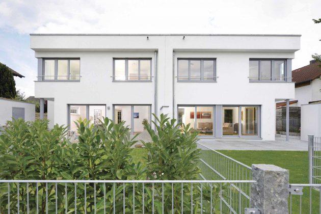 Gartenansicht Kundenhaus Krüger - Doppelhaus im Bauhausstil