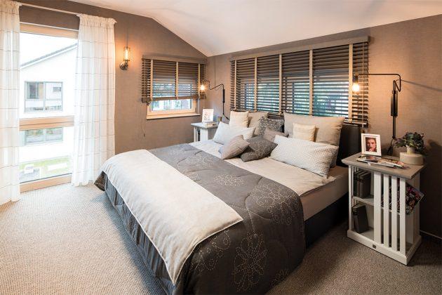 großzügiges Schlafzimmer im Obergeschoss
