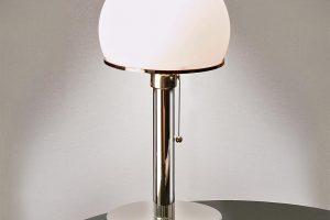 Bauhaus Leuchte im klassischen Stil.