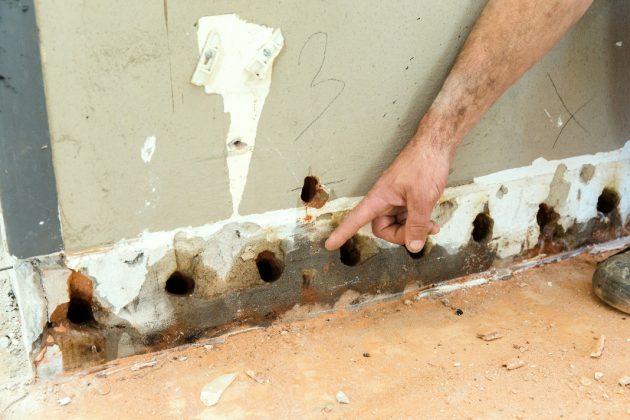 Die Trocknung der durchfeuchteten Kellerwände als Bestandteil der Horizontalsperre.