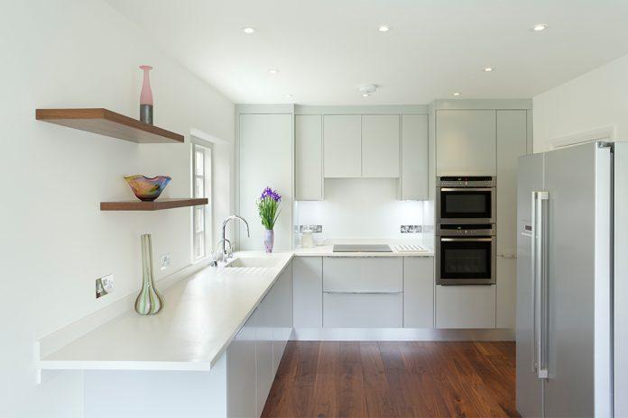 social smart home mit einbruchschutz livvi de. Black Bedroom Furniture Sets. Home Design Ideas