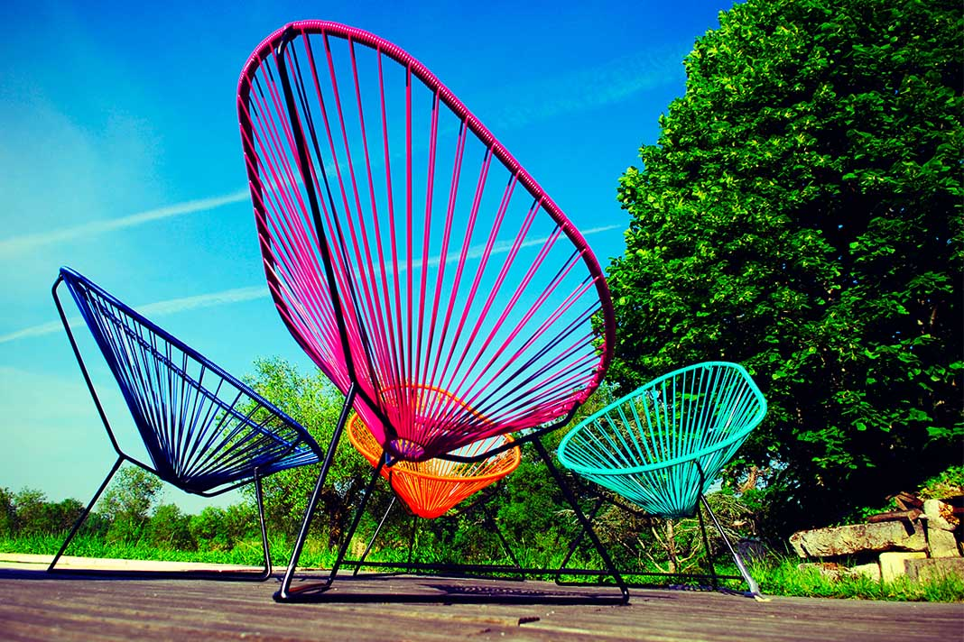 Acapulco Chair Outdoor in bunten Farben